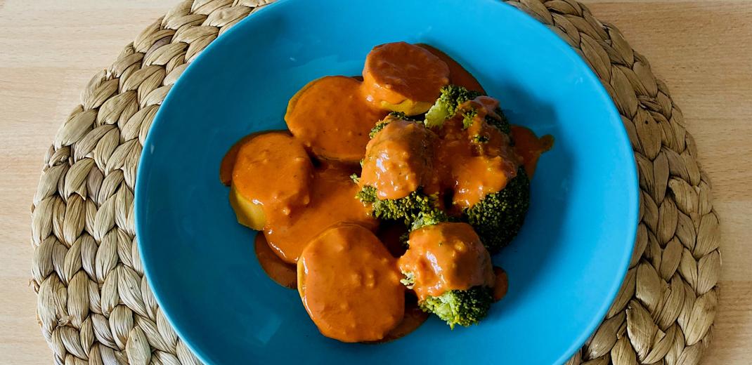 Süßkartoffeln, Brokkoli mit Tomatensauce